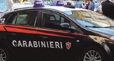 Furto da un'auto all'Esselunga. Padre e due figli arrestati